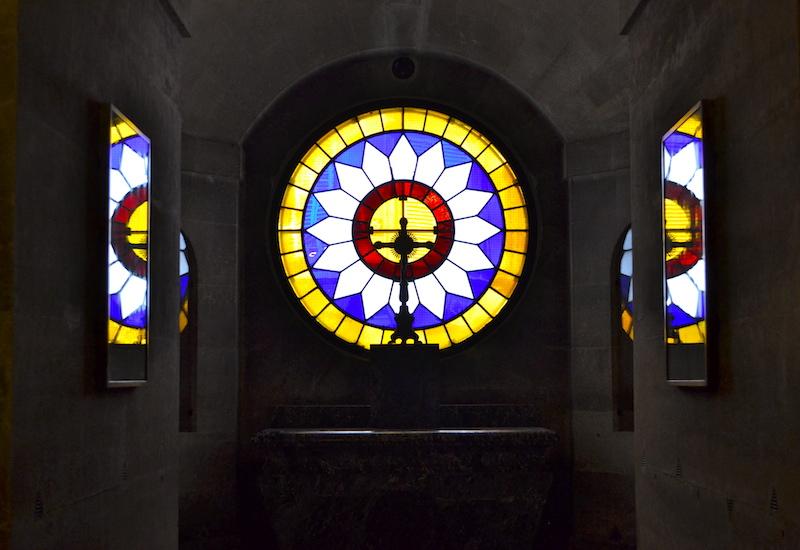 Décor crypte chapelle expiatoire
