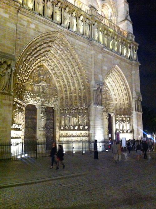 Façade de Notre-Dame - Paris à pas contés