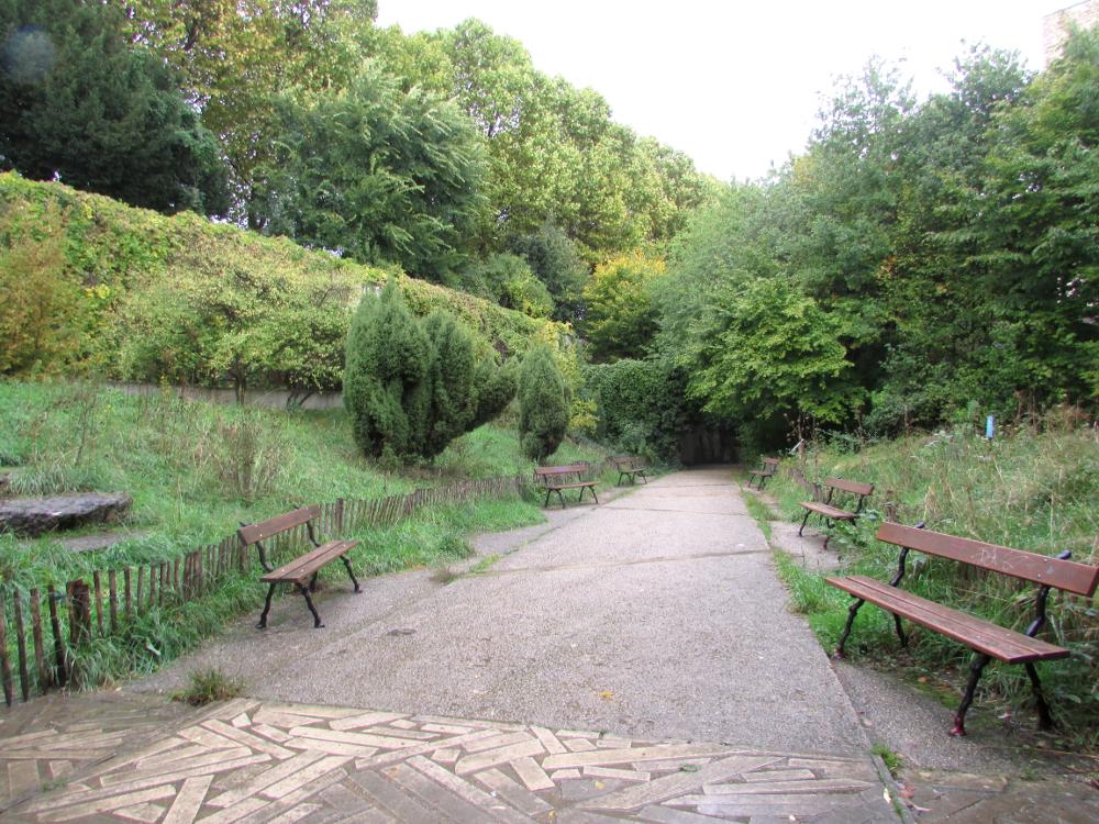 Le jardin naturel et les ruelles voisines paris sur un fil for Le jardin naturel lespinasse
