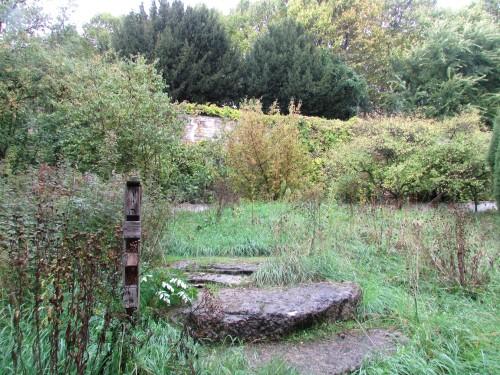 Le Jardin Naturel Et Les Ruelles Voisines Paris Sur Un Fil
