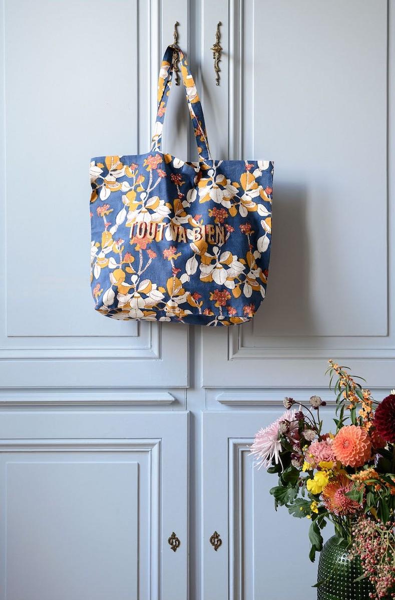 Un tote-bag fleuri de chez Jamini